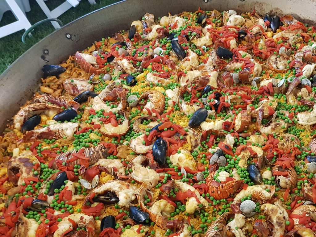 LOBSTER-PAELLA-OR-Paella-con-Langosta